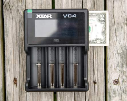 05_zeroair_reviews_xtar_vc4_charger